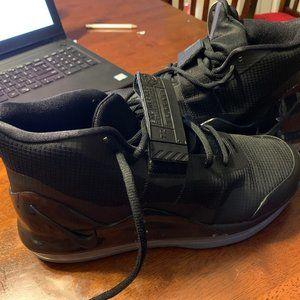 Nike Air Force Max (Basketball Shoes)